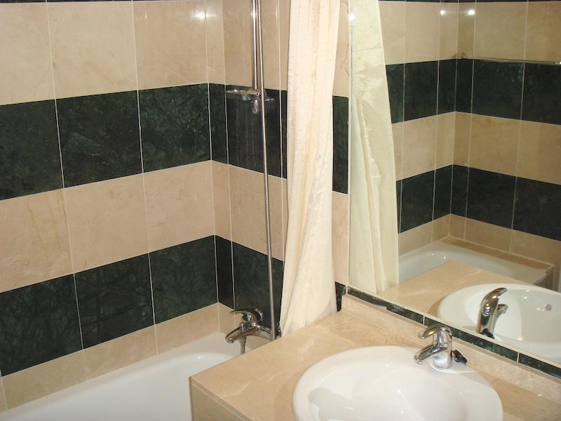 Blq3_Master_En-suite_Bathroom.jpg
