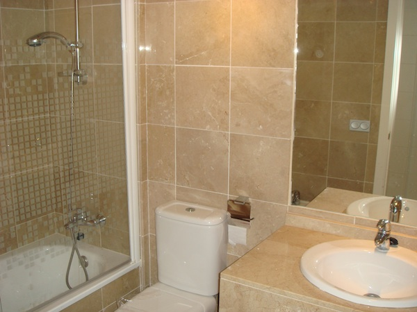 CalanovaSeaGolf-bathroom.jpg