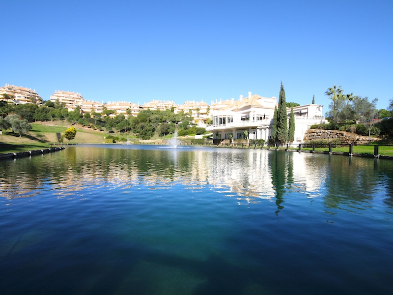 Elviria_Hills-Lake2.jpg