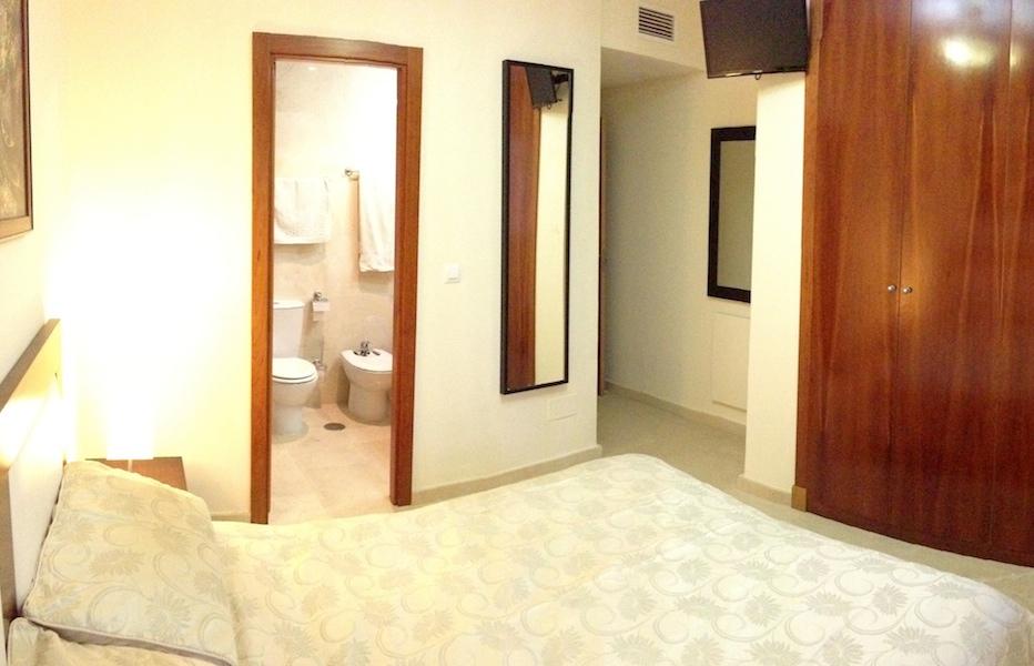 HSM-Master_bedroom2.jpg