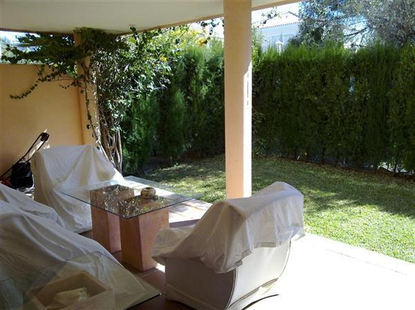 Hacienda_San_Manuel_Terrace.jpg