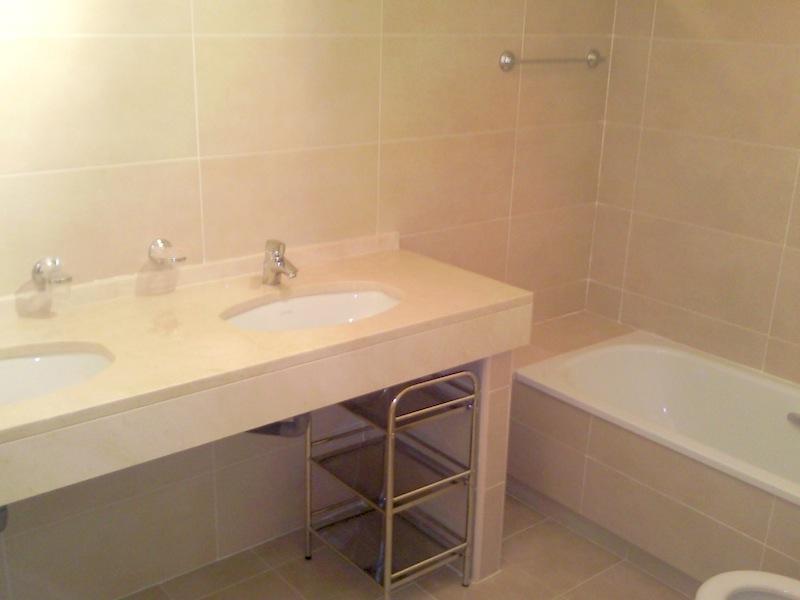 Los_Cortijos-Bathroom.jpg
