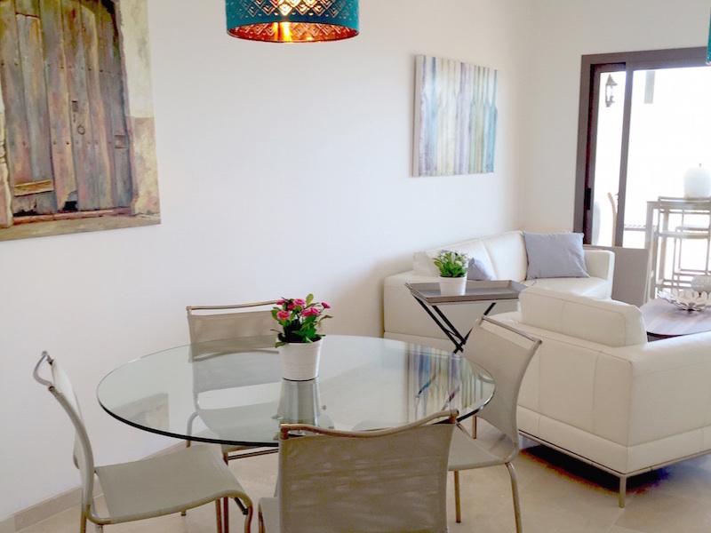 Los_Cortijos_Dining_area.jpg