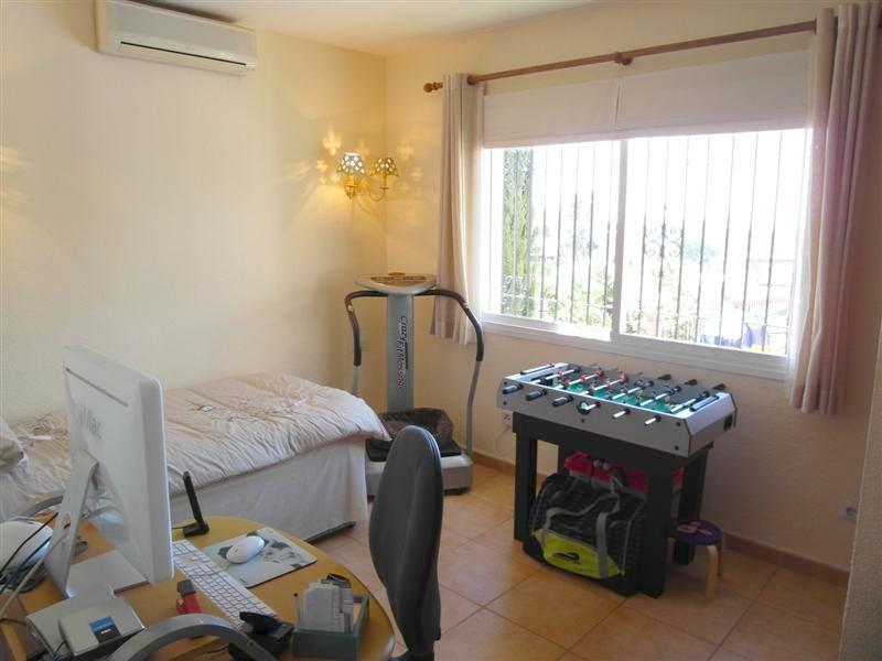 Villa_El_Rosario_Marbella_Bedroom_3.jpg