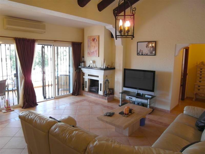 Villa_El_Rosario_Marbella_Lounge.jpg